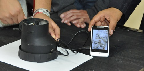 Alumnos del Politécnico desarrollan cargador ecológico