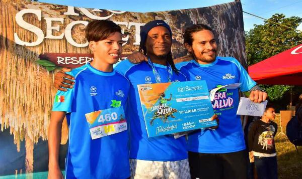 400 competidores participaron en Carrera por la Salud